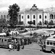 ساختمان شهرداری و میدان توپخانه در دهه سی خورشیدی