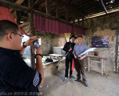 بازدید توریستها از زادگاه مو یان